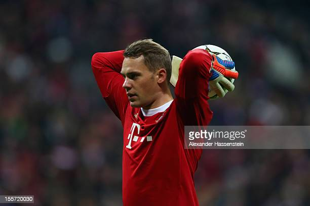 Manuel Neuer of Muenchen looks on during the UEFA Champions League group F match between FC Bayern Muenchen and LOSC Lille at Allianz Arena on...