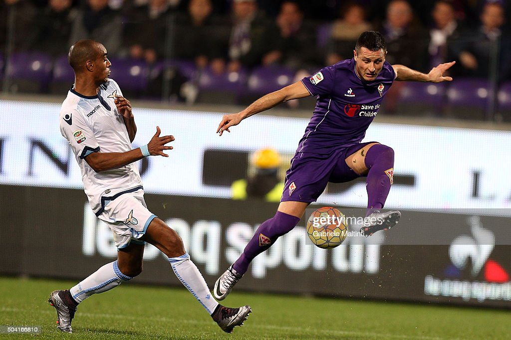 Manuel Pasqual of ACF Fiorentina in action during the Serie A match between ACF Fiorentina and SS Lazio at Stadio Artemio Franchi on January 9, 2016 in Florence, Italy.