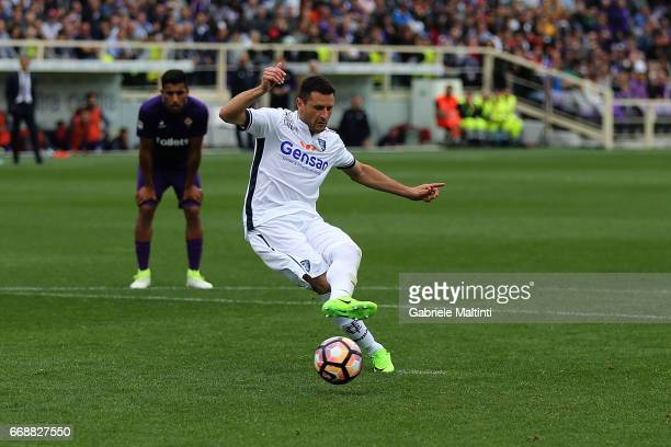 Manuel Pasqual of Empoli FC scores a goal during the Serie A match between ACF Fiorentina and Empoli FC at Stadio Artemio Franchi on April 15 2017 in...