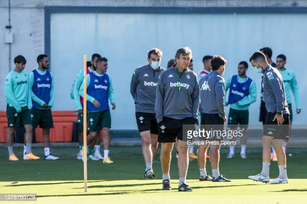 Manuel Pellegrini head coach looks on during the Real Betis Balompie training session at Ciudad Deportiva Luis del Sol on October 12 2020 in Sevilla...
