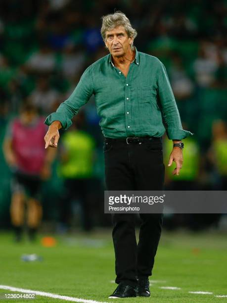 Manuel Pellegrini, head coach of Real Betis during the UEFA Europa League match between Real Betis and Bayer 04 Leverkusen played at Benito...