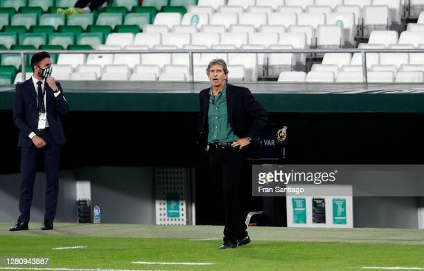 Manuel Pellegrini Head Coach of Real Betis reacts during the La Liga Santander match between Real Betis and Real Sociedad at Estadio Benito...