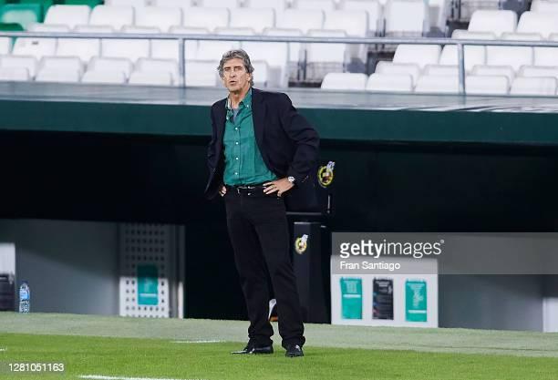 Manuel Pellegrini manager of Real Betis looks on during the La Liga Santader match between Real Betis and Real Sociedad at Estadio Benito Villamarin...