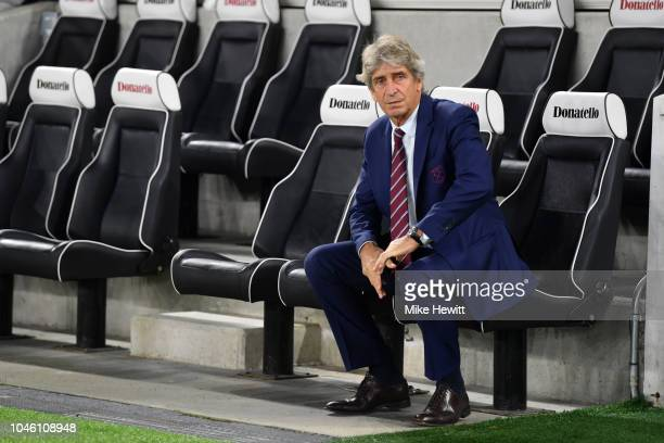 Manuel Pellegrini, Manager of West Ham United looks on prior to the Premier League match between Brighton & Hove Albion and West Ham United at...