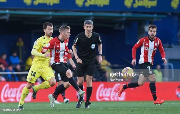 Manuel Trigueros of Villarreal and Iker Muniain of Athletic Club de Bilbao during the La Liga Santander match between Villarreal and Athletic Club de...
