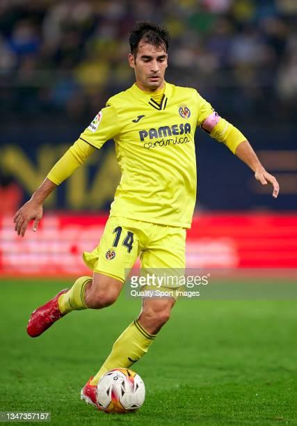 Manuel Trigueros of Villarreal CF in action during the La Liga Santander match between Villarreal CF and CA Osasuna at Estadio de la Ceramica on...