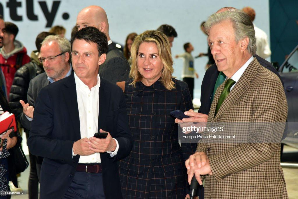 ESP: Manuel Valls Visits The International Cars Fair in Barcelona