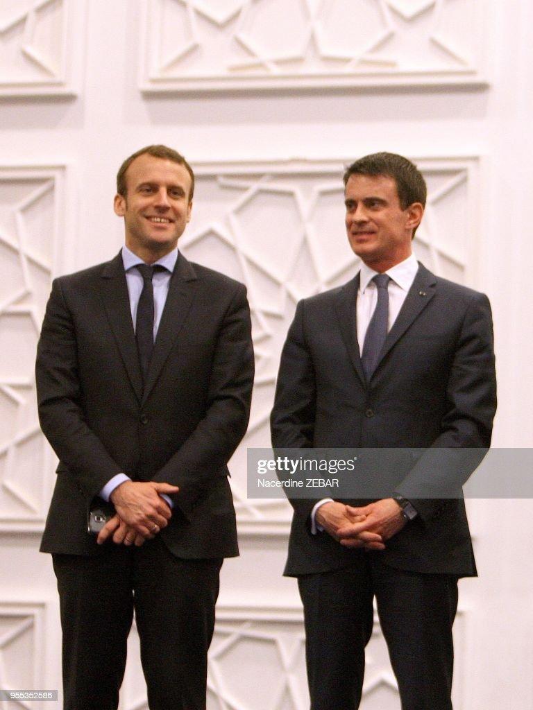 ¿Cuánto mide Manuel Valls? - Real height Manuel-valls-et-emmanuel-macron-le-10-avril-2016-alger-algrie-picture-id955352586