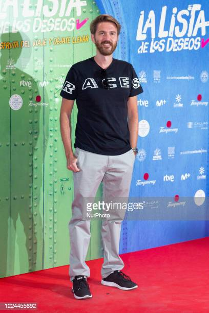 Manuel Velasco poses for the photographers during the premiere of the film 'La lista de deseos' directed by Spanish film maker Alvaro Diaz Lorenzo at...