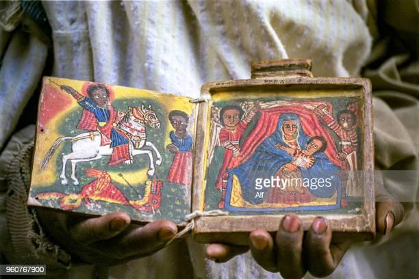 manuscripts in ashetan maryam and the church of yimrehane kristos, lalibela, ethiopia - christentum stock-fotos und bilder