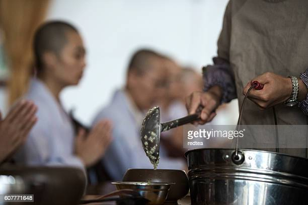 many unidentified buddhist nuns pray - ningbo stock pictures, royalty-free photos & images