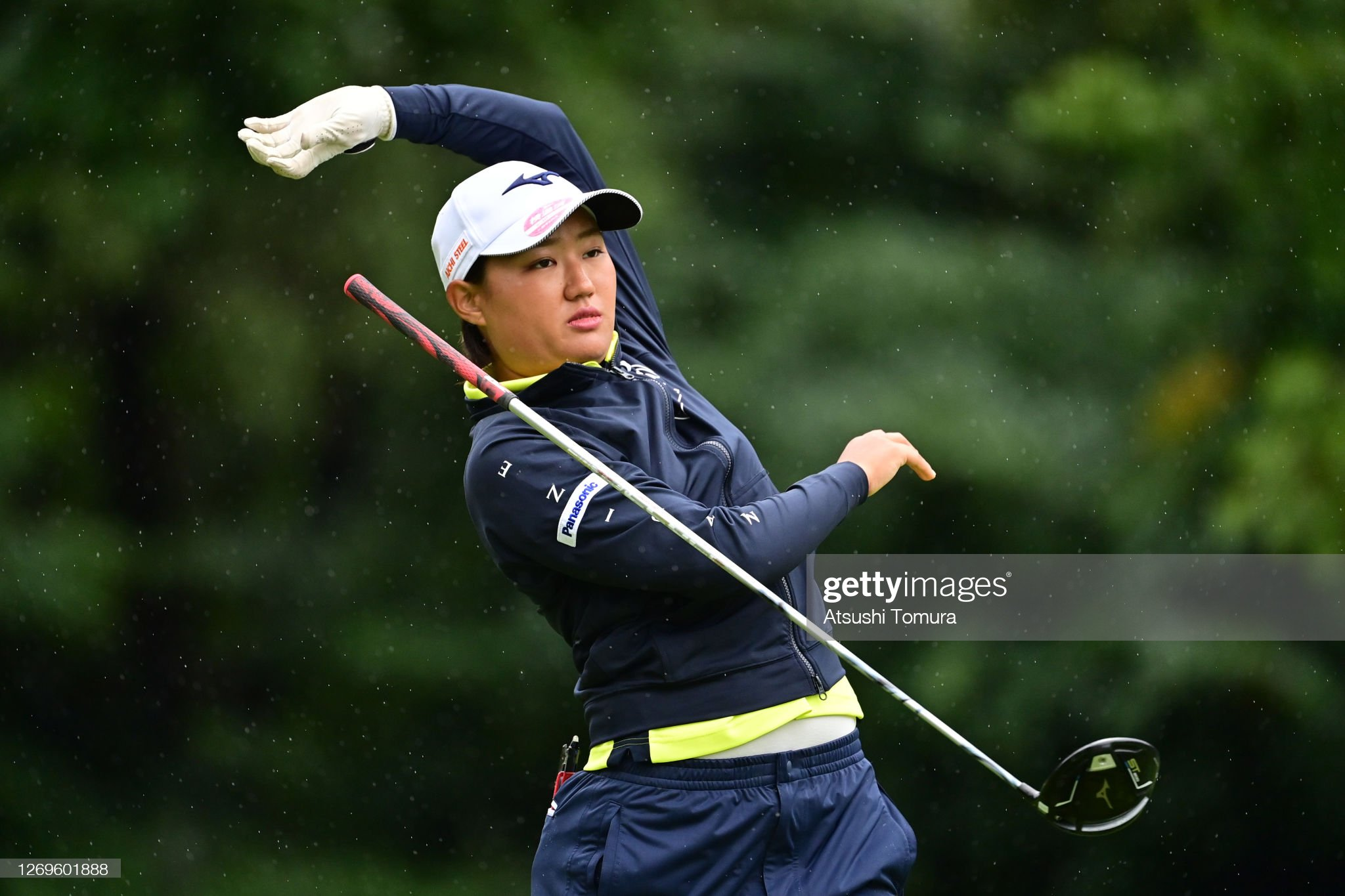 https://media.gettyimages.com/photos/mao-nozawa-of-japan-reacts-after-her-tee-shot-on-the-2nd-hole-during-picture-id1269601888?s=2048x2048