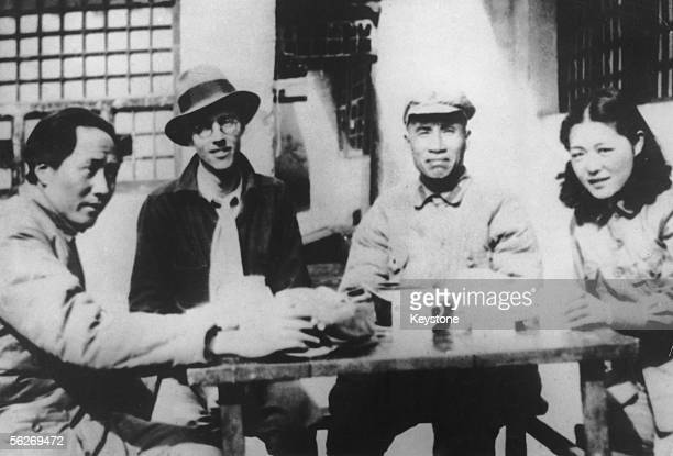 Mao Zedong with Chinese military leader Zhu De 1930