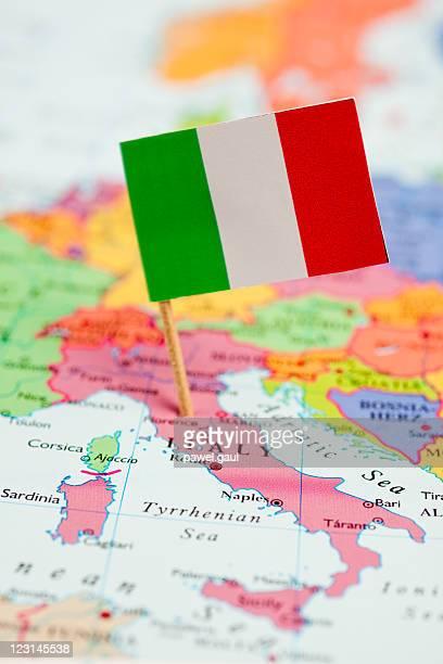 Mappa e bandiera dell'Italia