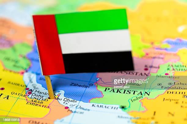 Map and flag of United Arab Emirats
