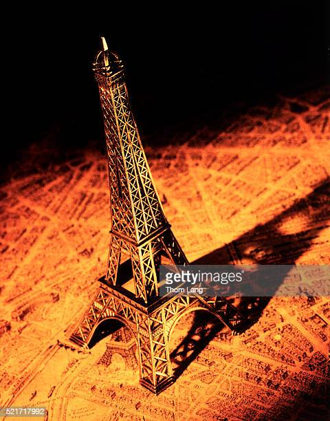 Map of Paris with the Eiffel Tower