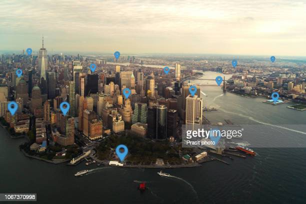 map pin flat in new york city scape and network connection concept. - karte navigationsinstrument stock-fotos und bilder