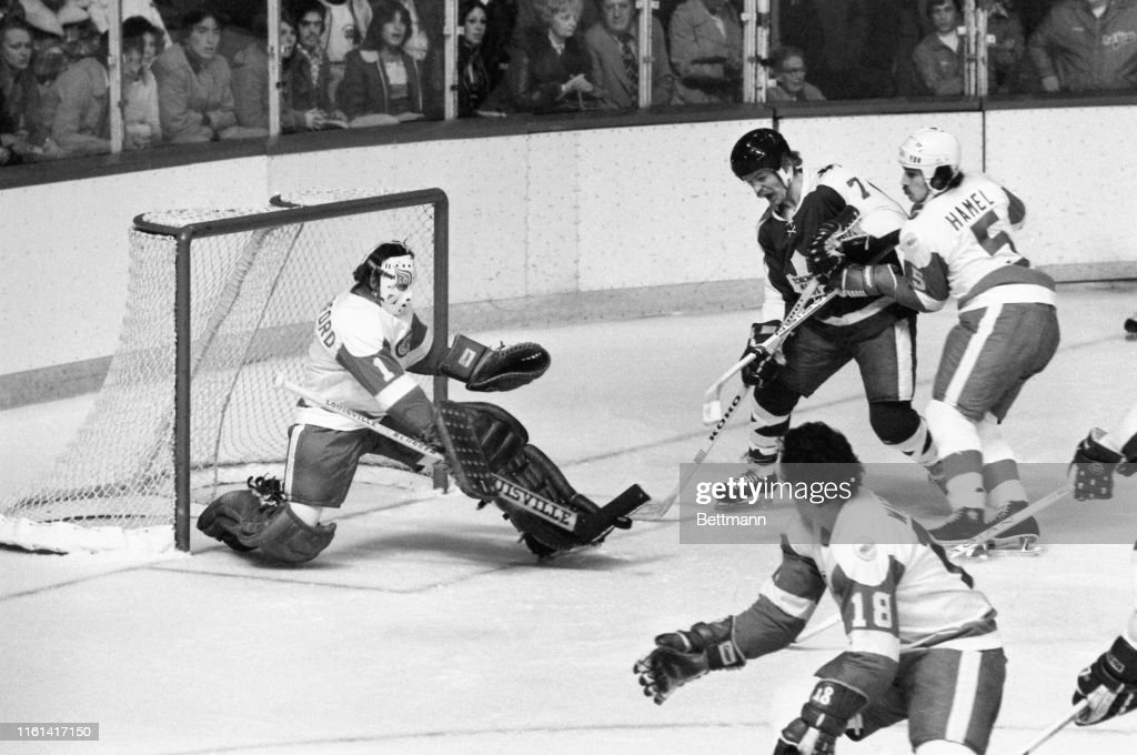 Detroit Red Wings Goalie Jim Rutherford : News Photo
