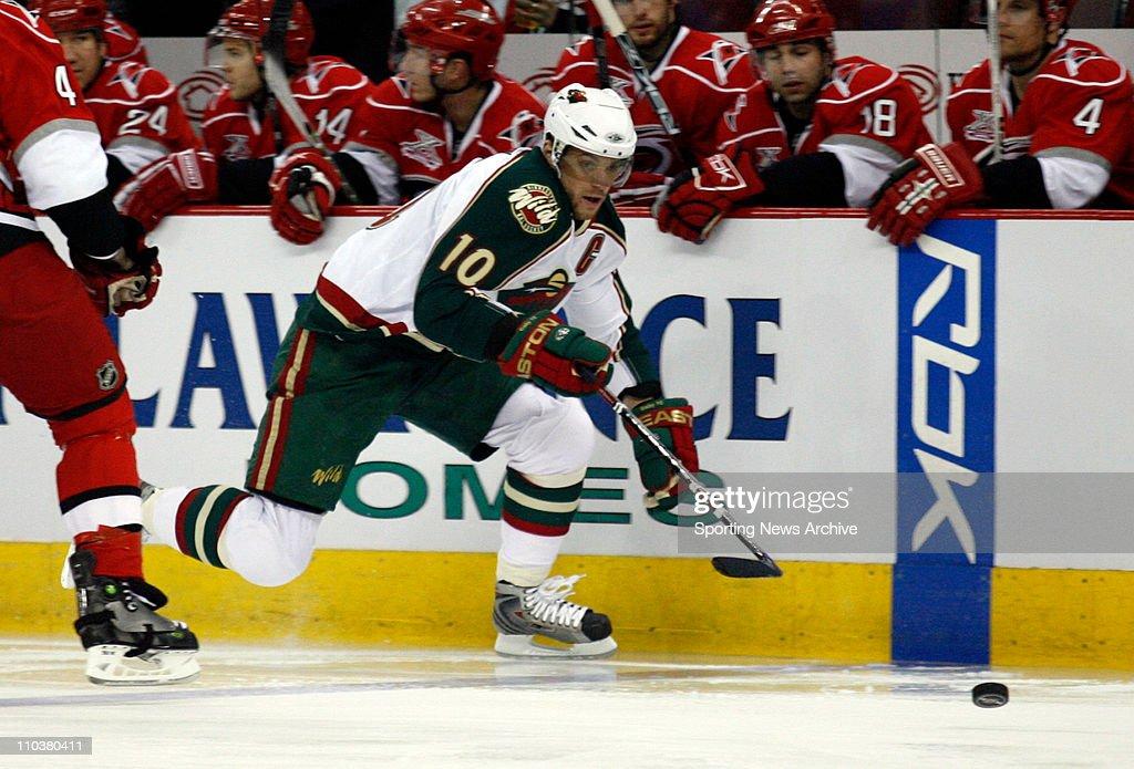 NHL 2008 - Hurricane Beat Wild 3-2 : News Photo