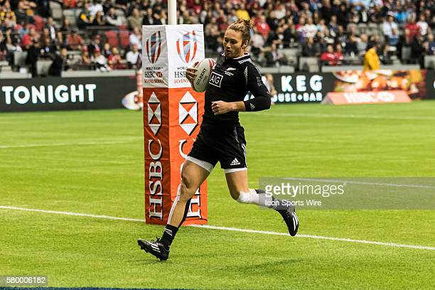 Gillies Kaka of New Zealand scores btween the posts during the 2nd half of the Cup Quarter Final match between New Zealand and Samoa at the Canada...