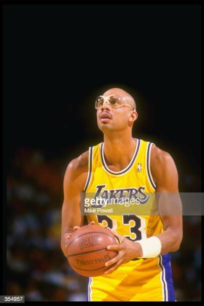 Center Kareem AbdulJabbar of the Los Angeles Lakers prepares to shoot the ball during a game against the Dallas Mavericks at Reunion Arena in Dallas...