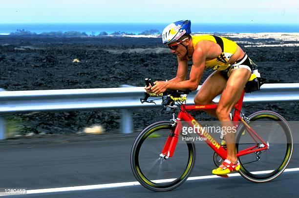 Thomas Hellriegel of Germany in action during the 1998 Ironman Triathlon in Kailua Kona, Hawaii. USA. \ Mandatory Credit: Harry How /Allsport