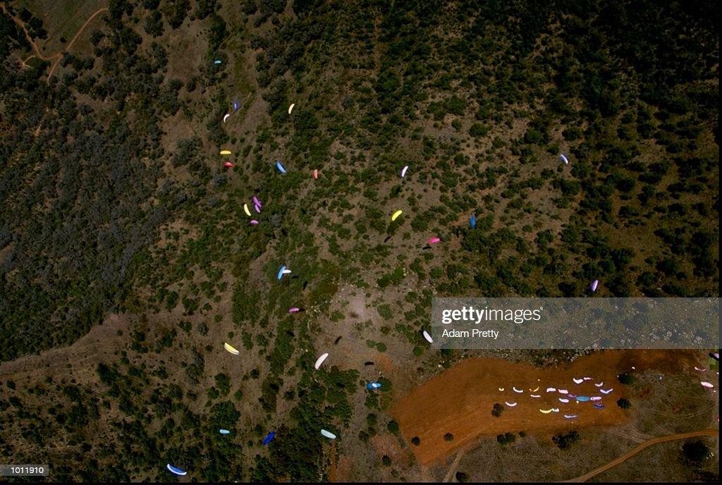 Aerial action from the Australian Open Paragliding Championships at Borah Ridge, New South Wales, Australia. \ Mandatory Credit: Adam Pretty /Allsport