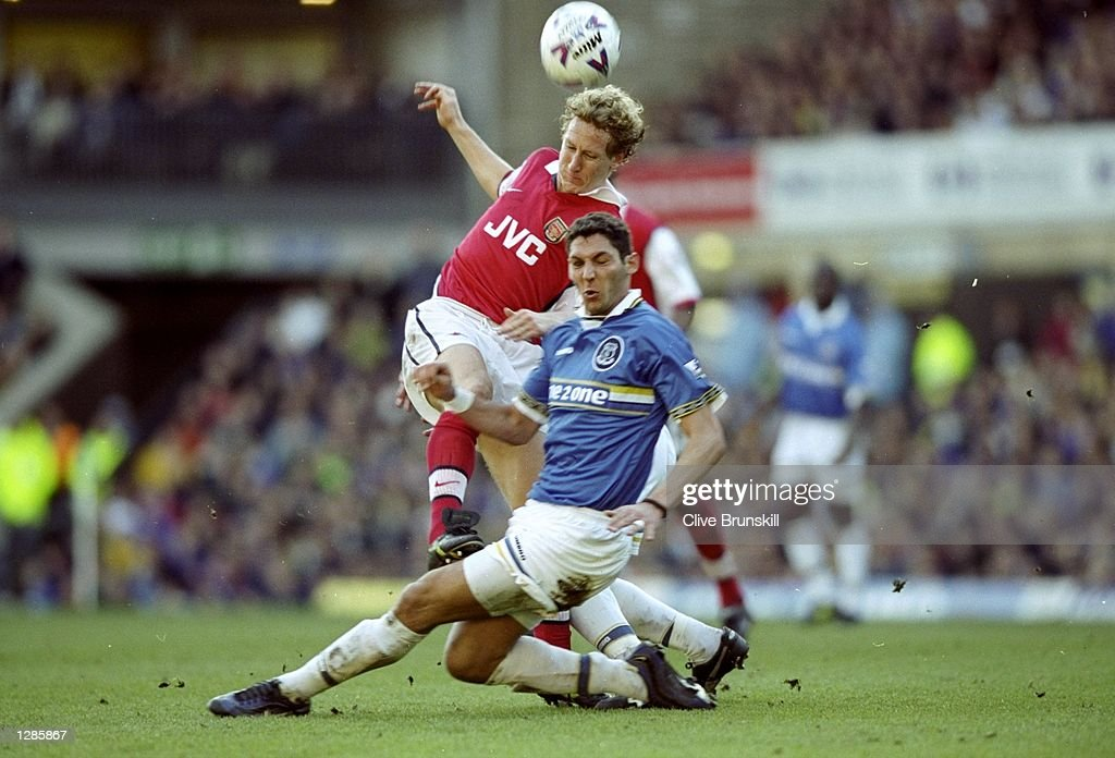Ray Parlour and Marco Materazzi : News Photo
