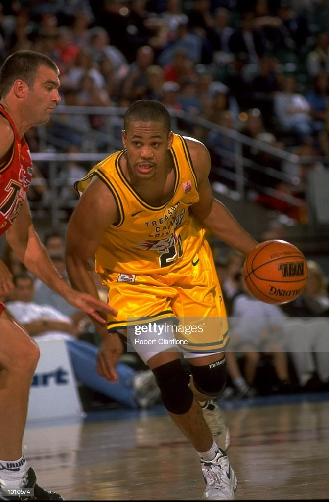 Steve Woodberry of the Brisbane Bullets in action against the Melbourne Tigers, during the 1999 NBL game at the Melbourne Sports & Aquatic Centre, Albert Park, Melbourne, Australia. \ Mandatory Credit: Robert Cianflone /Allsport