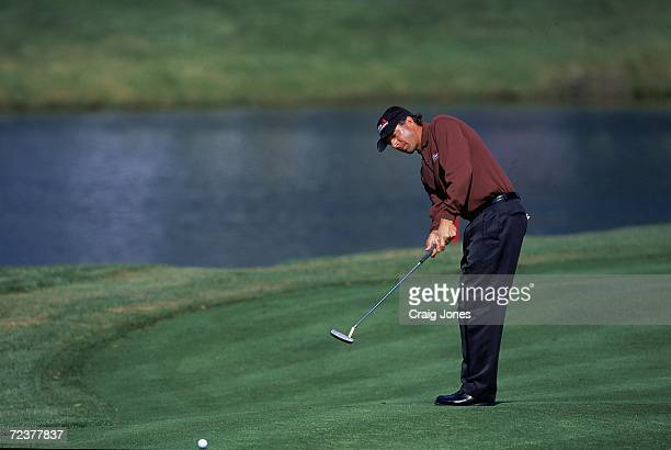 Billy Andrade putts during The Players Championship at TPC at Sawgrass in Ponte Vedra Beach Florida Mandatory Credit Craig Jones /Allsport