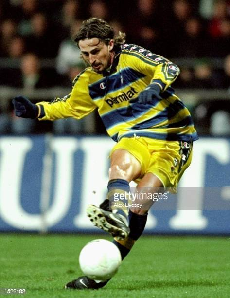 Dino Baggio of Parma during the UEFA Cup fourth round second leg game between Werder Bremen and Parma at the Weserstadion in Bremen, Germany. The...