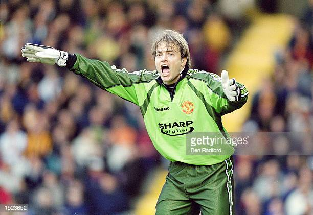 Mark Bosnich of Manchester United marshalls his defence during the FA Carling Premiership match against Bradford City at Valley Parade in Bradford...
