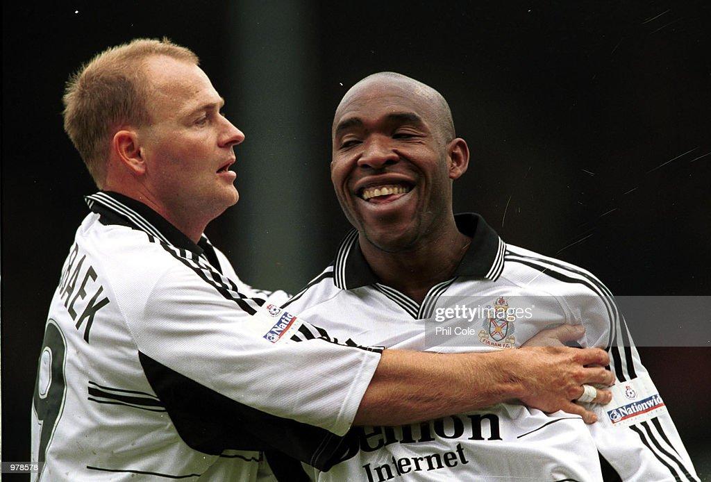 Fulham v Bolton : News Photo