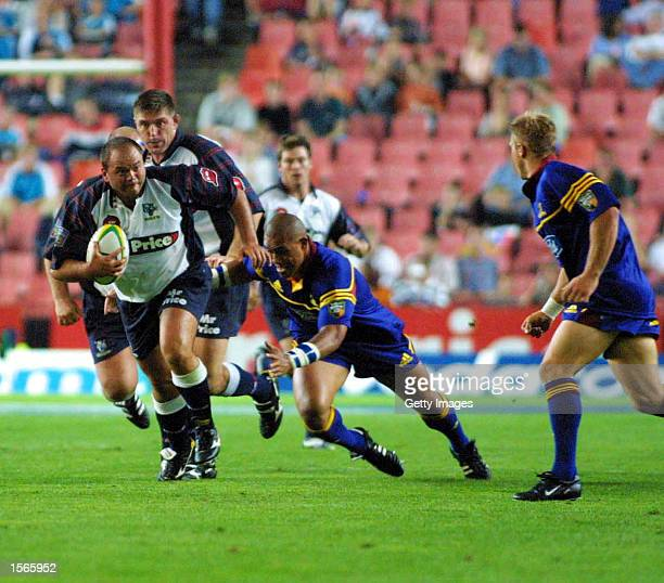 Leon Boshoff of the Cats in action during the 2001 Super 12 Rugby, Cats v Highlanders match held at Ellis Park Stadium in Johannesburg, South Africa....