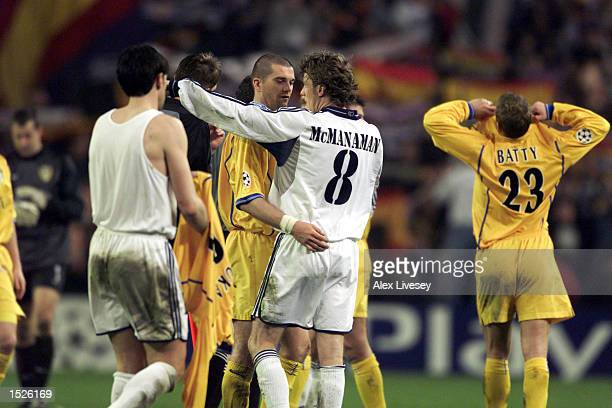 Steve McManaman of Madrid shake hands with Dominic Matteo after the Real Madrid v Leeds United UEFA Champions League Group D match at the Bernabeu...