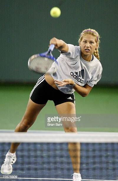 Anna Kournikova practices her slam as she warms up for a workout before the Pacific Life Open in Indian Wells California DIGITAL IMAGE Mandatory...