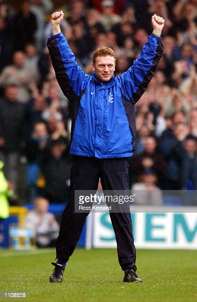 David Moyes the new Everton manager waves to the crowd before the FA Barclaycard Premiership match between Everton and Fulham at Goodidson Park...