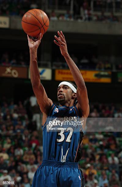 Guard Richard Hamilton of the Washington Wizards shoots a jump shot during the NBA game against the Utah Jazz at the Delta Center in Salt Lake City...