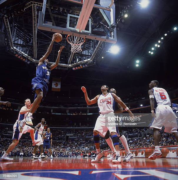 Guard Richard Hamilton of the Washington Wizards shoots the ball during the NBA game against the Los Angeles Clippers at the Staples Center in Los...