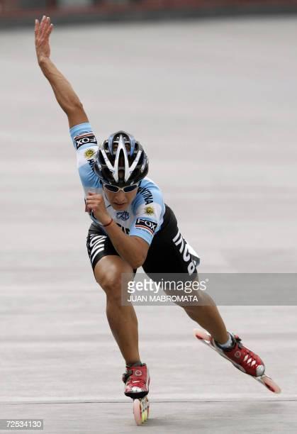 CORRIGE MEDALLA Y GENERO Andrea Gonzalez de Argentina compite en la prueba de patin 200 m contra reloj en la que se adjudico la medalla de Oro...