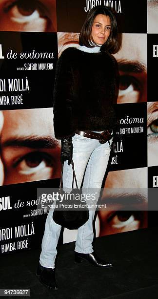 Mar Flores attends the premiere of 'El Consul de Sodoma' on December 17 2009 in Madrid Spain