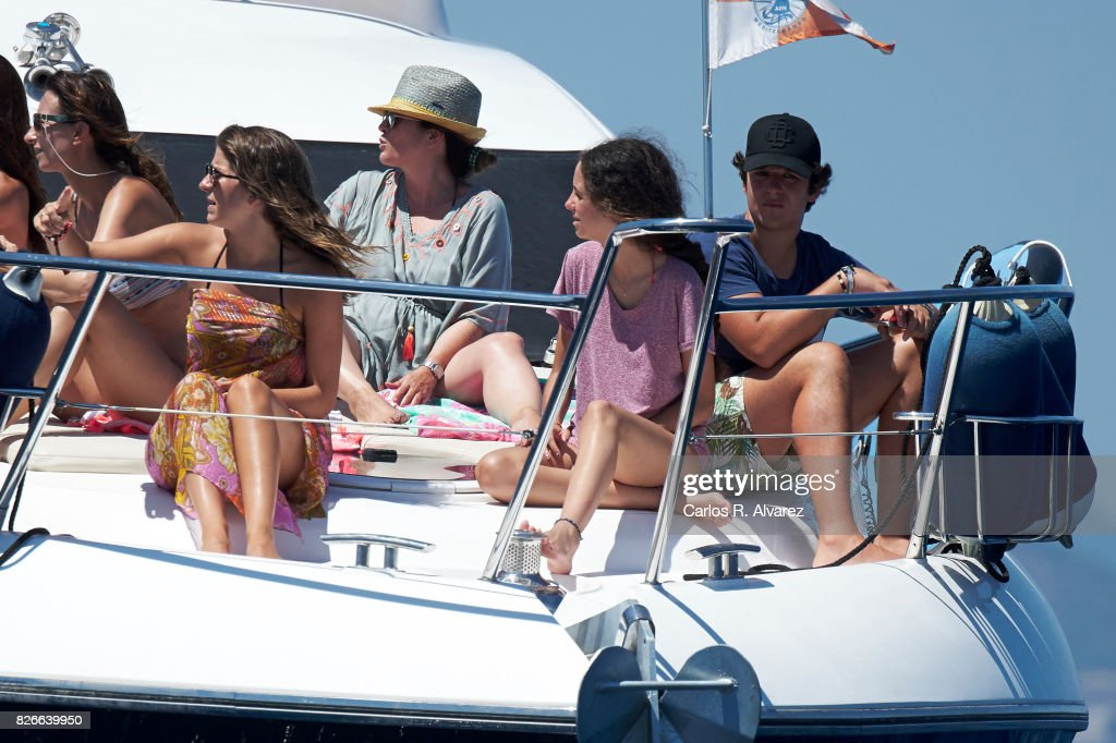 Mar Torres (L), Felipe Juan Froilan de Marichalar y Borbon (R) and his sister Victoria Federica de Marichalar y Borbon (C) are seen during the 36th Copa Del Rey Mafre Sailing Cup on August 5, 2017 in Palma de Mallorca, Spain.
