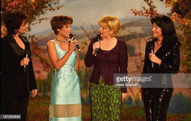 Mara Kayser Carmen Nebel Francine Jordi Monika Martin ARDShow Herbstfest der Volksmusik Dornbirn Österreich Mikro Mikrofon Kleid Bühne Auftritt...