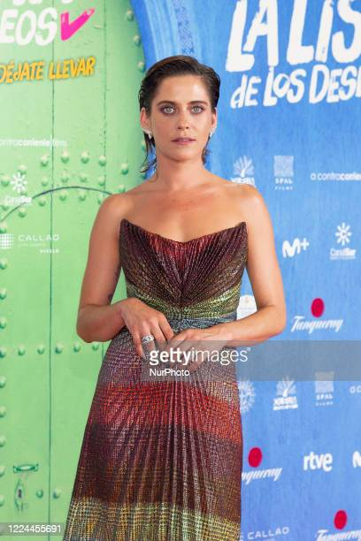 María León poses for the photographers during the premiere of the film 'La lista de deseos' directed by Spanish film maker Alvaro Diaz Lorenzo at...