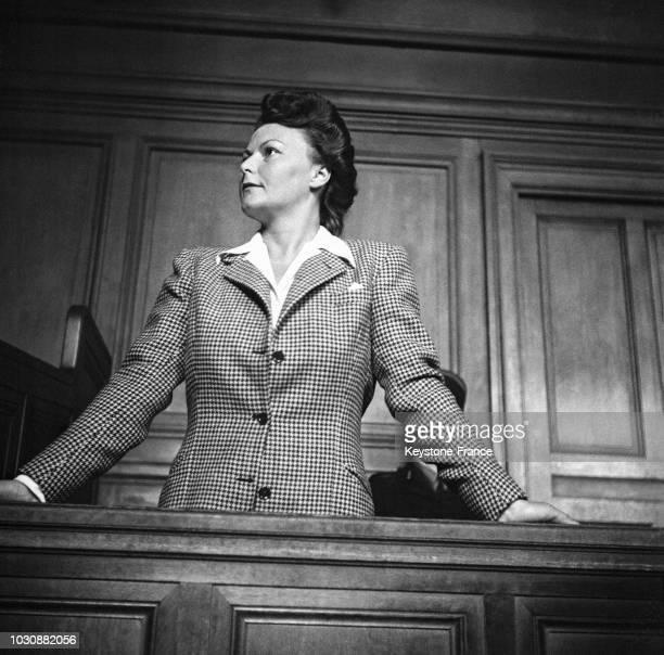 Mara TchernycheffBezobrazoff ou 'Illa Meery' dans le box des accusés fut la maîtresse du chef de la Gestapo française
