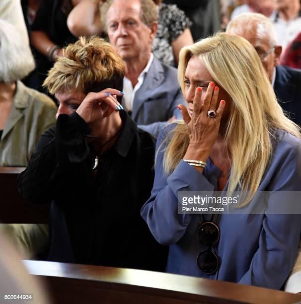 Mara Venier attends Paolo Limiti funeral services at the church of Santa Maria Goretti on June 28 2017 in Milan Italy Paolo Limiti was born in Milan...
