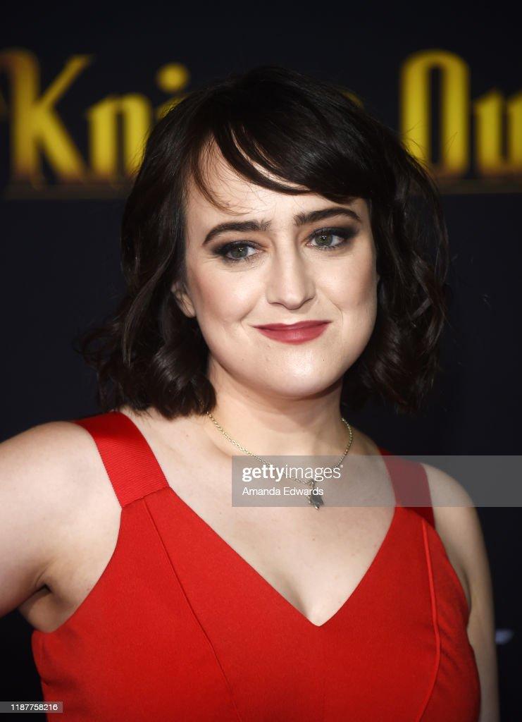 """Premiere Of Lionsgate's """"Knives Out"""" - Arrivals : Fotografía de noticias"""