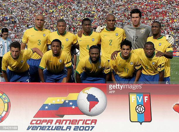 Brazil national football team pose before their Copa AmericaVenezuela 2007 final match against Argentina at the Pachencho Romero stadium 15 July 2007...