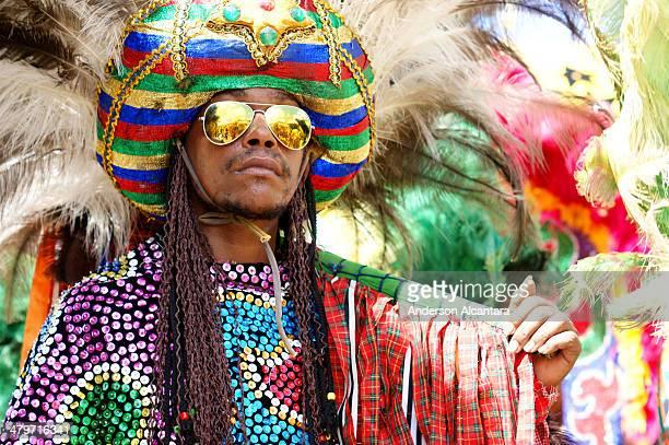 CONTENT] Maracatu rural cultura popular folclore desfile popular caboclo de lança cores festa no interior carnaval