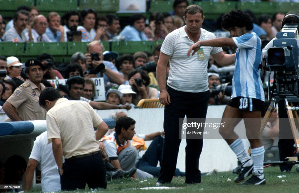 ESP: World Cup 1982 - Brazil v Argentina : News Photo